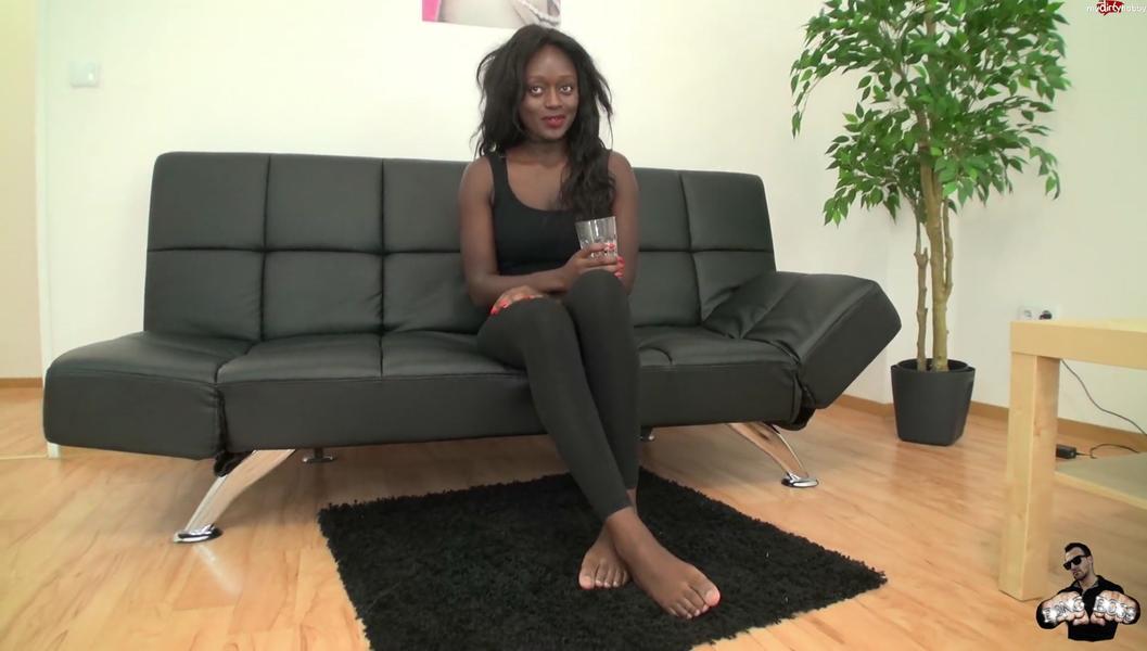 Pornocasting mit 18j Fluechtlingsbitch -100Prozent real
