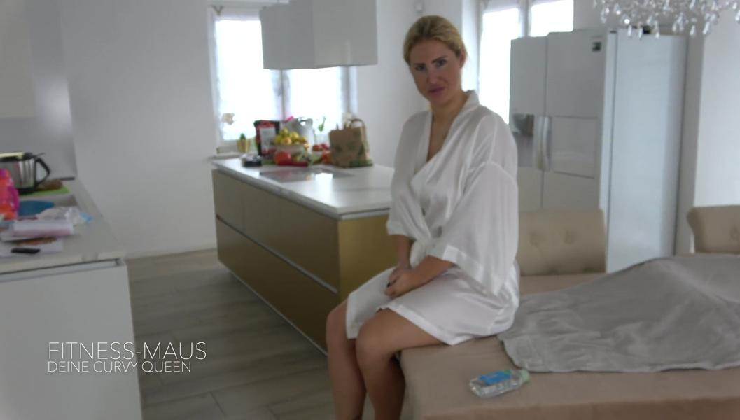 download Fitness-Maus - Oel-Massage Artet aus